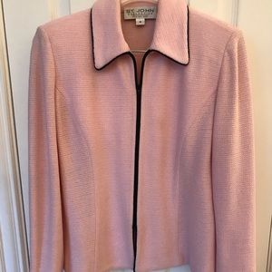 Saint John Collection light pink two-piece suit 4